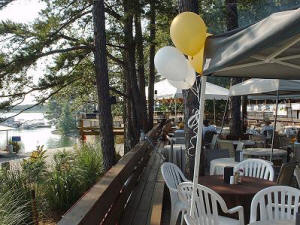Tiki Hut restaurant at Keowee Marina